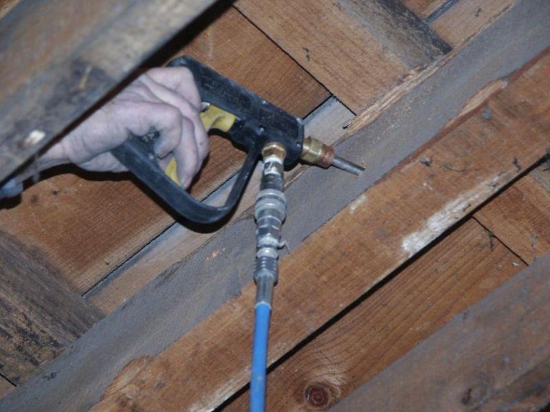 Traitement des bois traitement des charpentes for Traitement des bois par injection